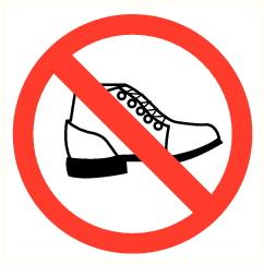 Interdiction de porter ou de passer avec des chaussures